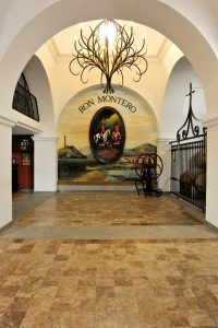 Interior de la empresa Ron-Montero - Sabor Granada