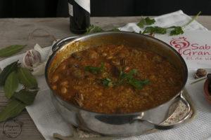 Arroz con caracoles en elaboración - Sabor Granada