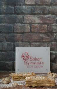 Milhojas de crema de turrón de la Alpujarra con reducción de Ron Pálido - Sabor Granada