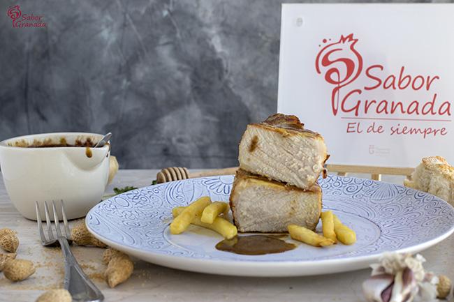 Receta para hacer Entrecot de cerdo San Pascual con salsa satay - Sabor Granada