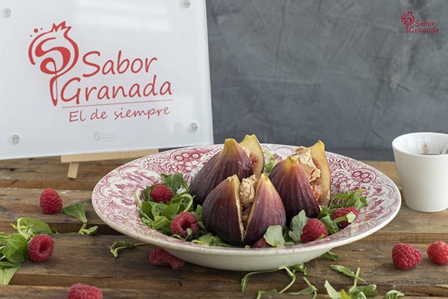 Receta para hacer ensalada de higos rellenos de foie y frambuesas con vinagreta de fresas al cava - Sabor Granada