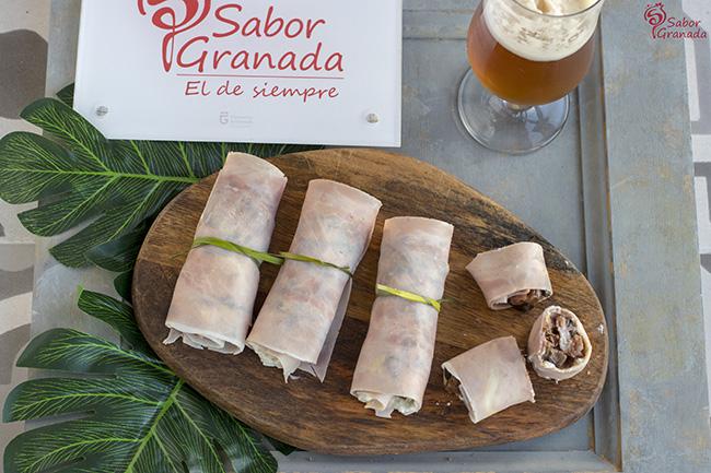 Receta para hacer rollitos de jamón cocido con queso azul y chutney de calabacín - Sabor Granada