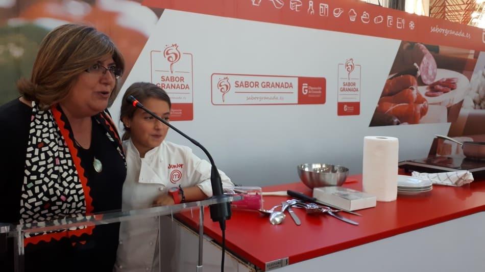 Stand de Sabor Granada en FERMASA con la ganadora de Masterchef Junior 5, la granadina Esther Requena