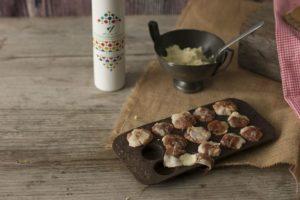 Bombones de jamón rellenos de paté de queso y aceite en elaboración - Sabor Granada