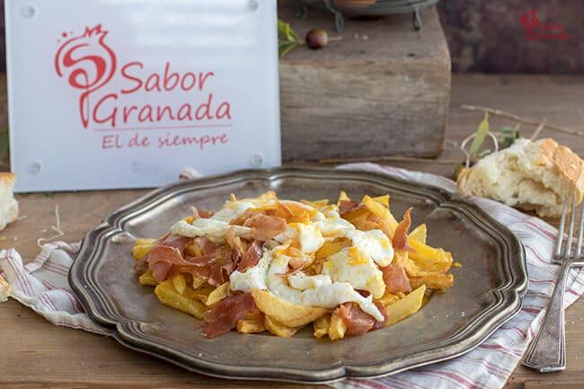 Receta para hacer Huevos camperos con patatas y jamón de la Alpujarra - Sabor Granada