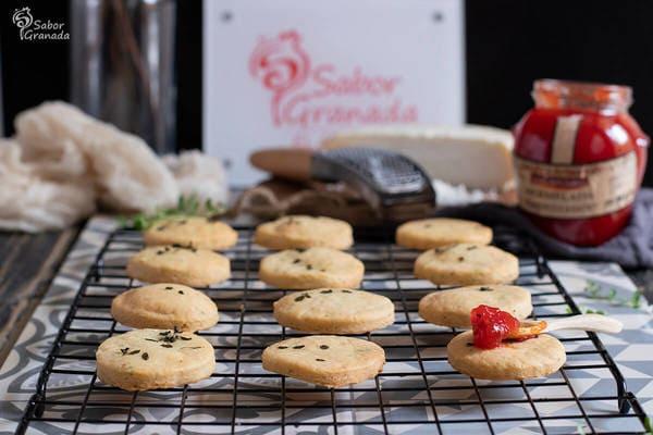 Receta de galletas de queso de cabra y orégano - Sabor Granada