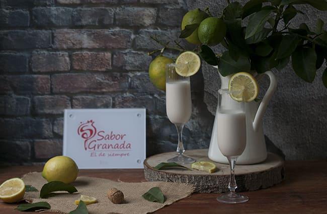 Receta para hacer Sorbete de limón al champín - Sabor Granada