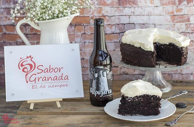 """Receta para hacer tarta de cerveza """"Alpujarra brown"""" - Sabor Granada"""