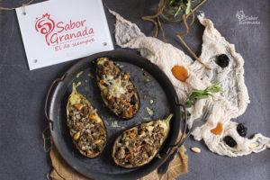 Receta para hacer berenjenas rellenas de carne de cordero y frutos secos - Sabor Granada
