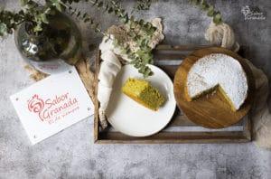 Receta de bizcocho de aguacate - Sabor Granada