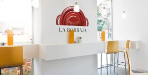 Interior del Restaurante La Borraja - Sabor Granada