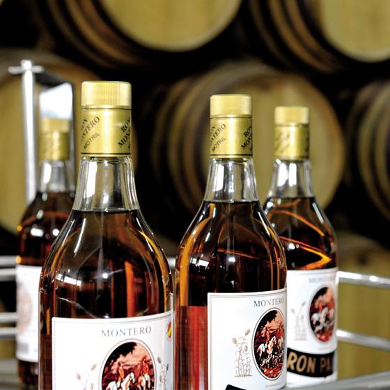 Botellas de Ron Montero - Sabor Granada