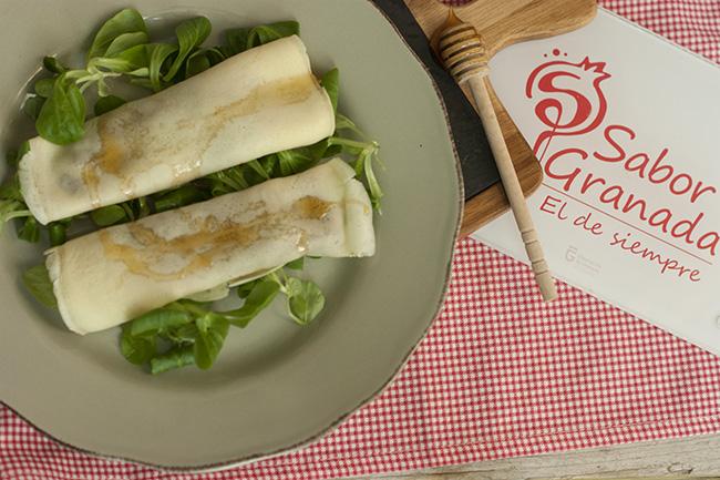 Receta para hacer Crepes de morcilla con pera y miel - Sabor Granada