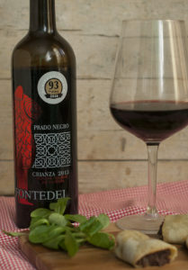 Copa de vino y botella Fontedei - Sabor Granada