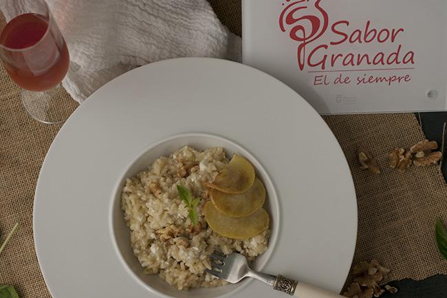 Receta para hacer Risotto de manzana y requesón con nueces - Sabor Granada