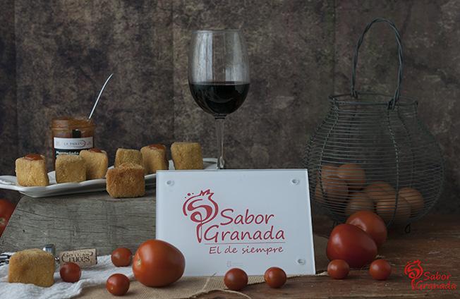 Receta para hacer Triángulos de queso sobre mermelada de tomate - Sabor Granada