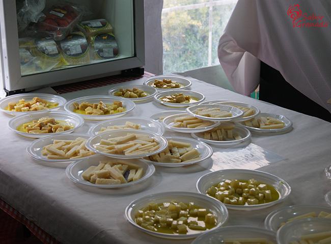 Quesos en la Feria Primavera y vino en Guadix - Sabor Granada