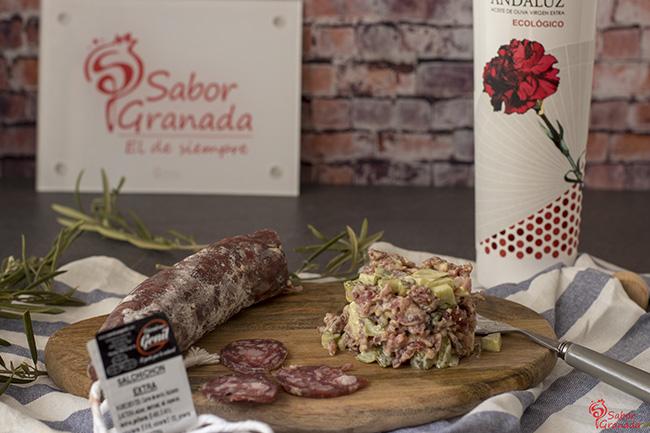 Receta para hacer tartar de salchichón - Sabor Granada