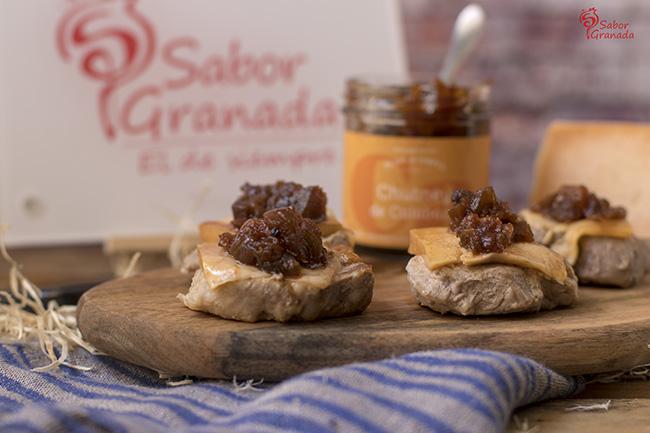 Medallones de solomillo con queso de cabra y chutney de calabaza - Sabor Granada