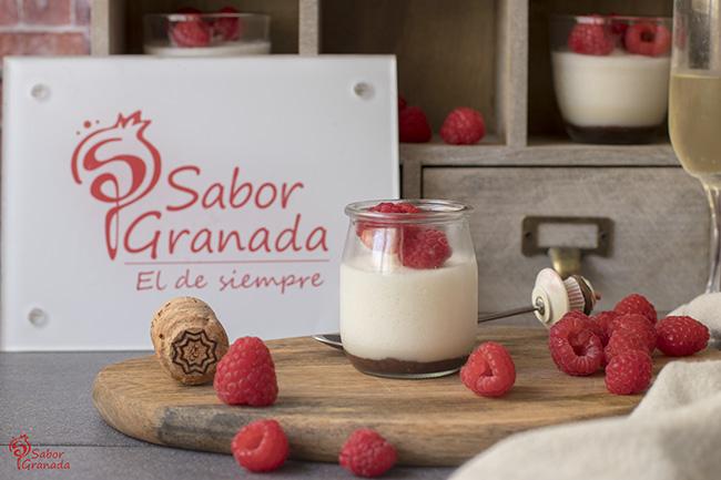 Cómo hacer mousse de cava con frambuesas - Sabor Granada