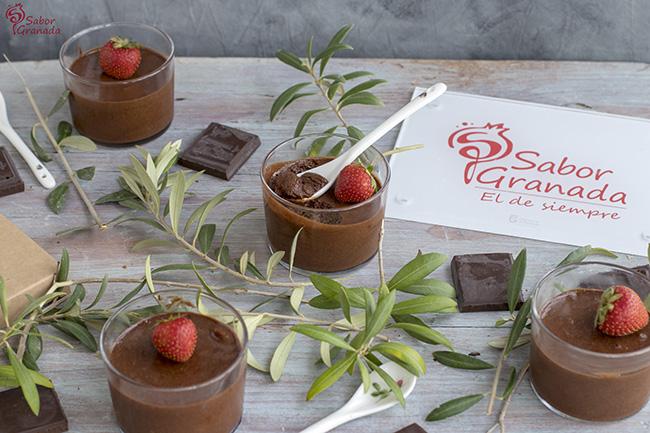 Receta para hacer mousse de chocolate - Sabor Granada