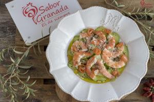 Cómo hacer un carpaccio de aguacate con langostinos y caviar blanco de Sierra Nevada - Sabor Granada