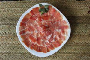 Jamón en plato de Jamones Muñoz - Sabor Granada