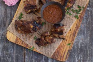Presentación de las Costillas de cerdo San Pascual con salsa barbacoa - Sabor Granada