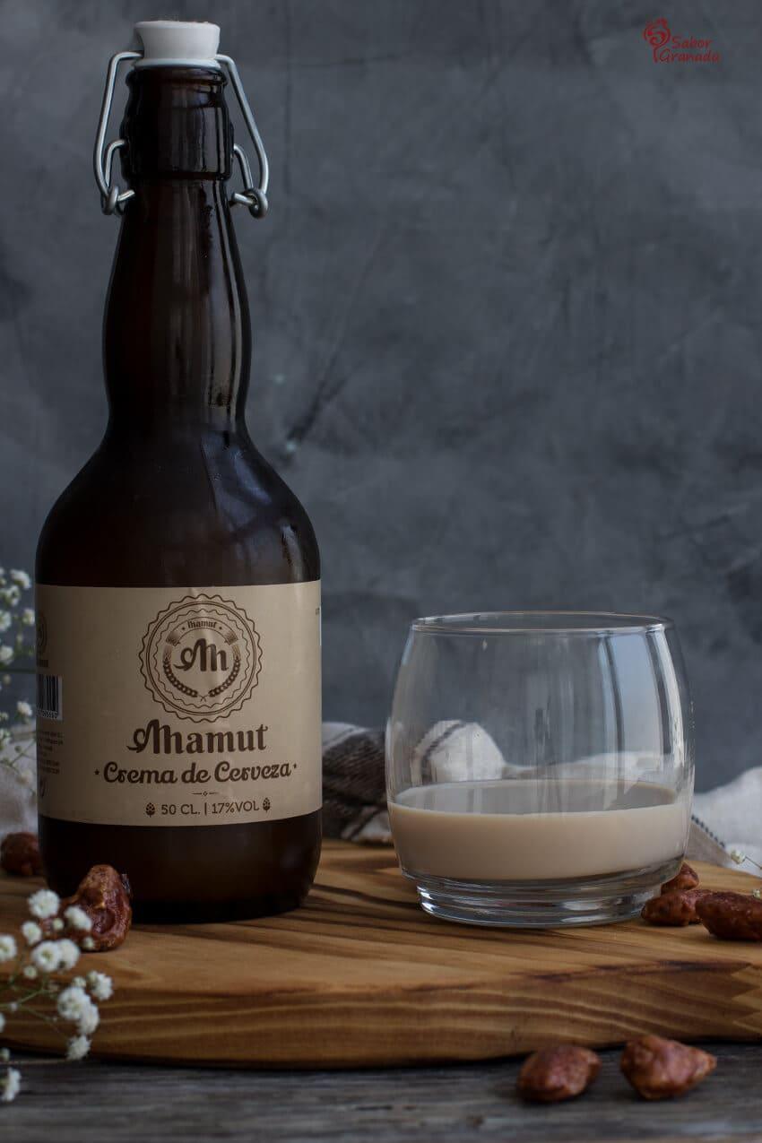 Crema de cerveza de Destilería Liber con la que haremos esta mousse - Sabor Granada