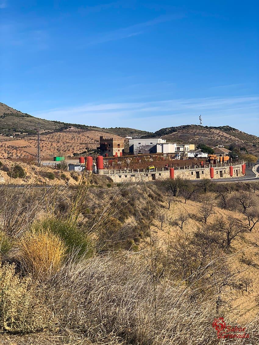 Exterior de la bodega Cuatro Vientos - Sabor Granada