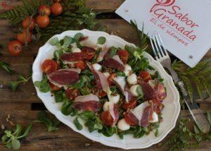 Presentación de la receta de ensalada ibérica - Sabor Granada