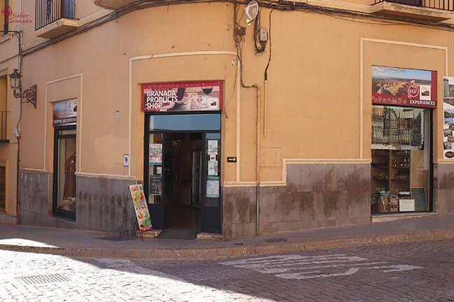 Fachada principal de la tienda Sabor Granada