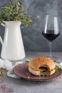Otra presentación de las hamburguesas de lentejas con reducción de balsámico - Sabor Granada