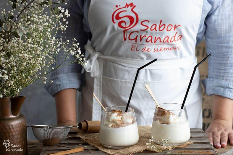 Presentación de la receta de leche rizada. Receta de postre con leche - Sabor Granada