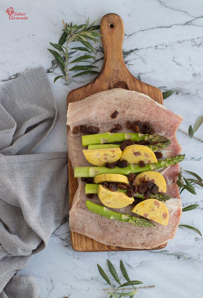 Elaboración del plato de cinta de lomo rellena con patatas a las finas hierbas y salsa de jalapeño - Sabor Granada