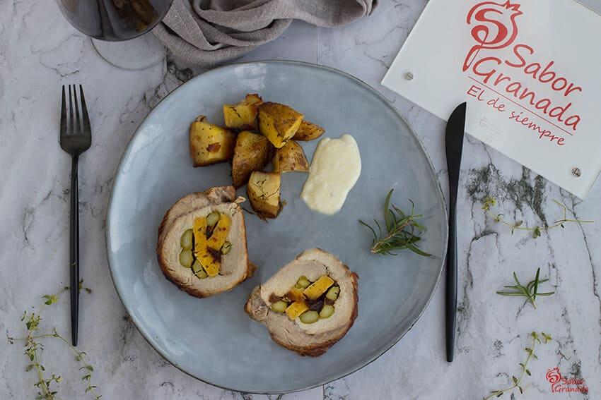 Receta de lomo relleno con patatas a las finas hierbas y salsa de jalapeño - Sabor Granada