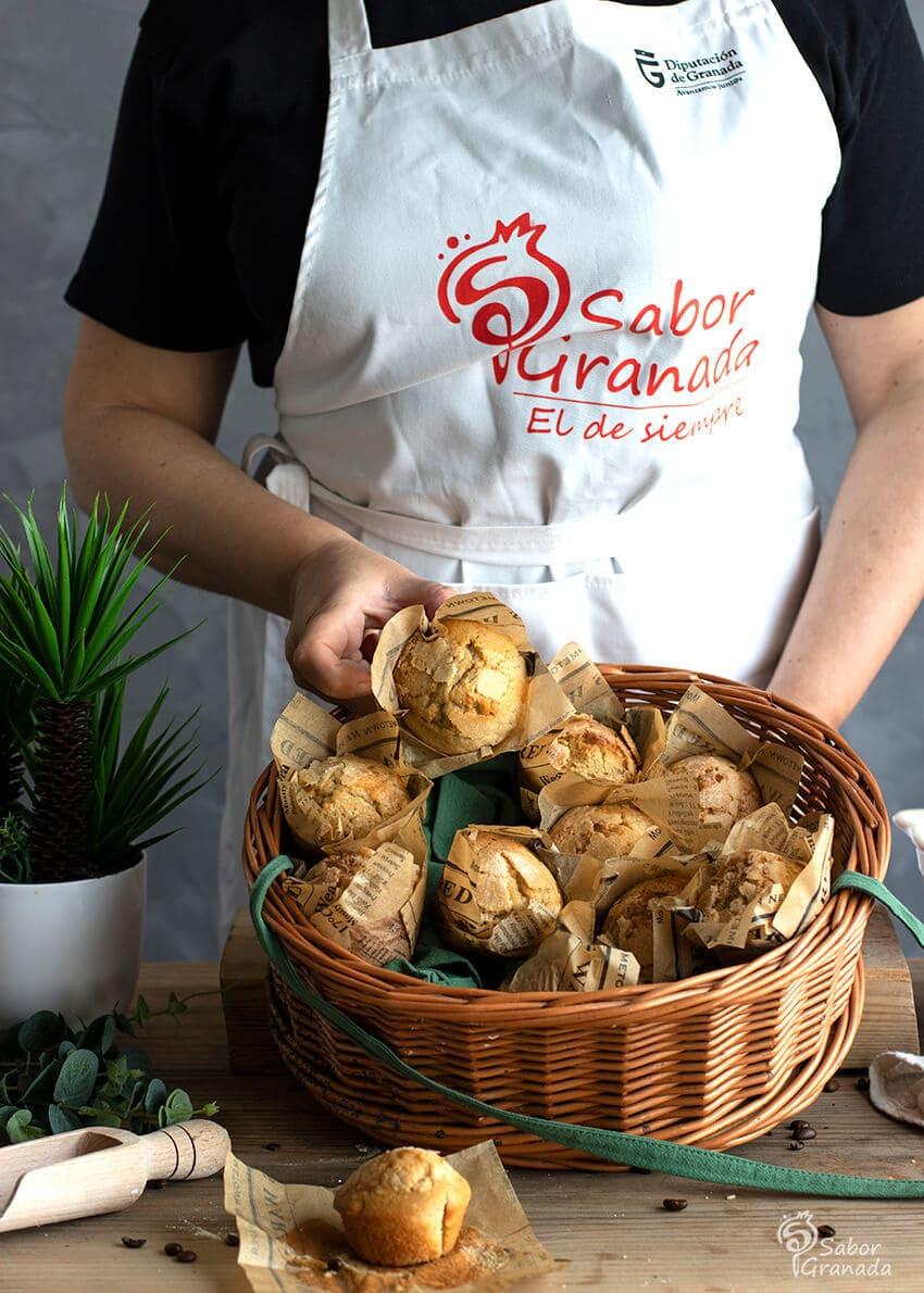 Presentación de la receta de Magdalenas de café - Sabor Granada