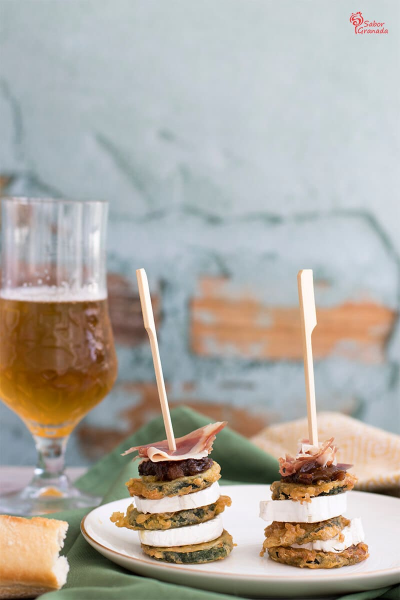 Milhojas de calabacín, queso de cabra, jamón y chutney de higo verde - Sabor Granada