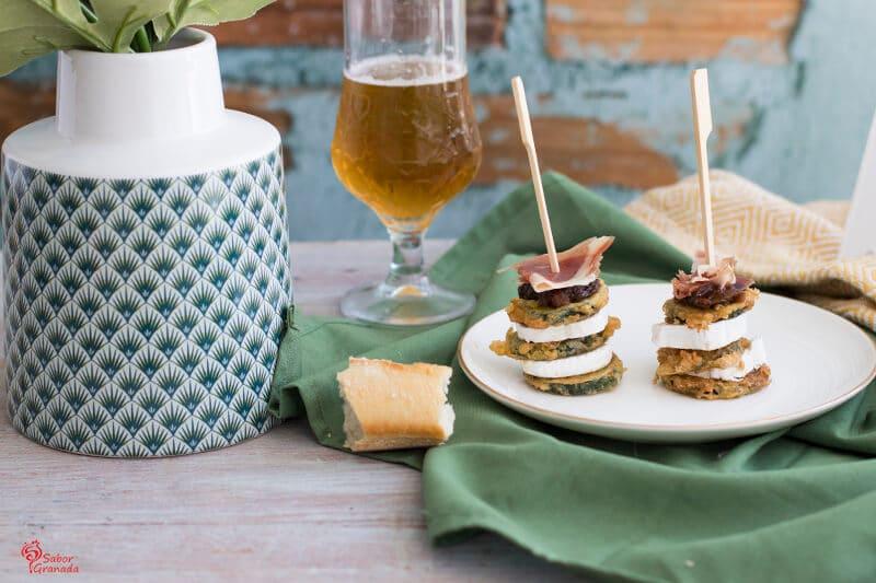 Elaboración de Milhojas de calabacín, queso de cabra, jamón y chutney de higo verde - Sabor Granada