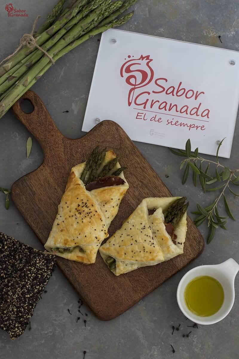 Pañuelos de hojaldre y espárragos de Huetor Tájar - Sabor Granada