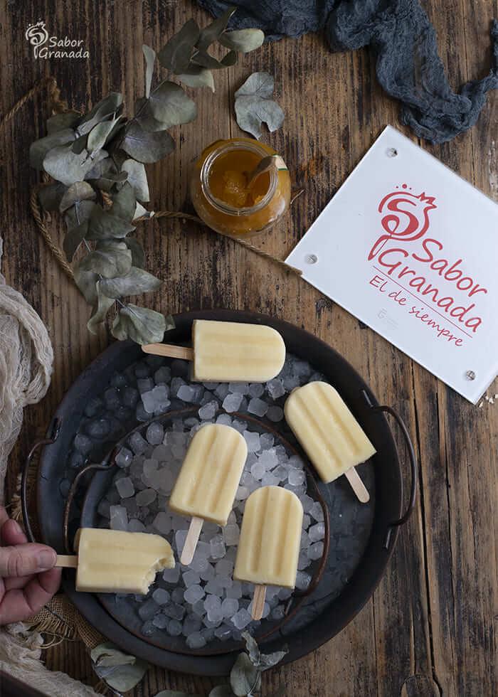 Polos de yogur líquido y mermelada de mango - Sabor Granada