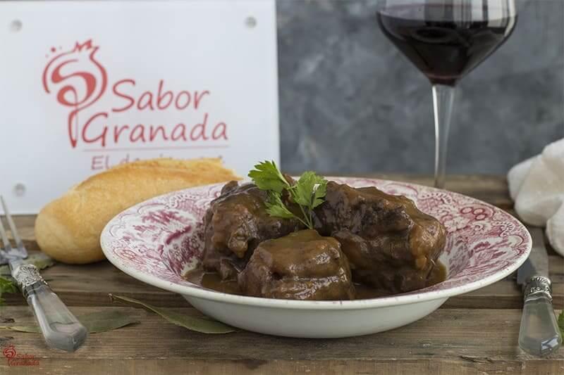 Receta para hacer rabo de toro estofado - Sabor Granada