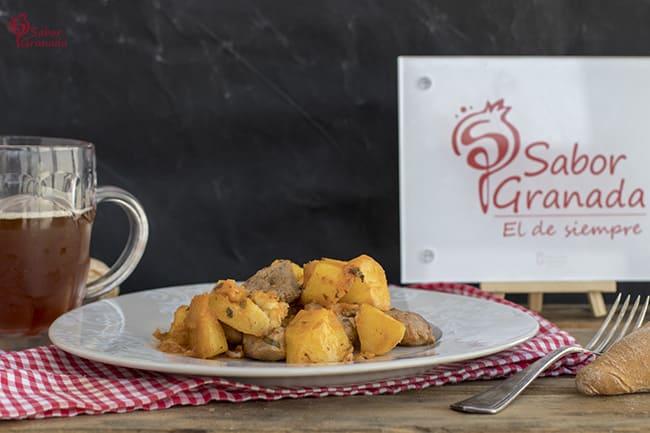 Receta para hacer Solomillo con patatas en adobo - Sabor Granada