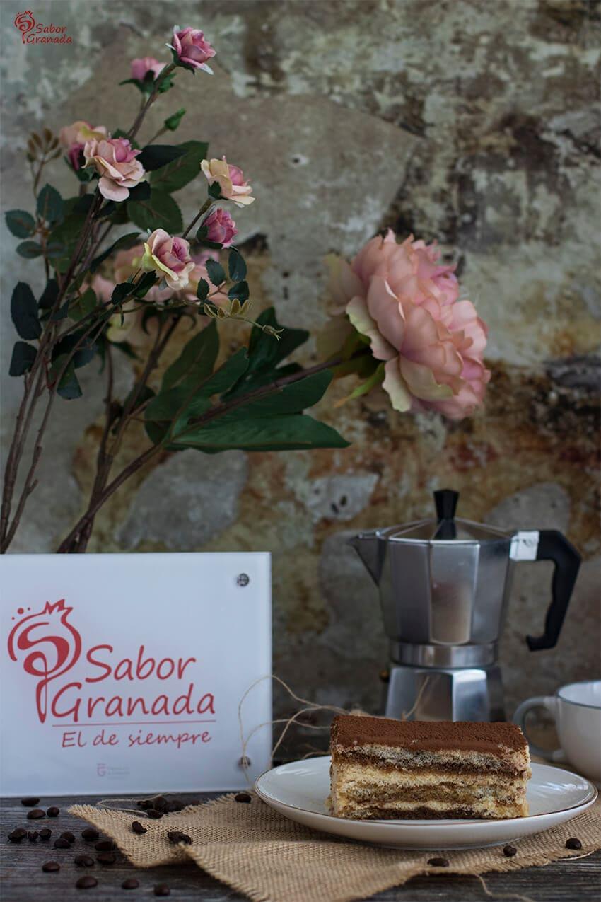 Presentación de tiramisú - Sabor Granada