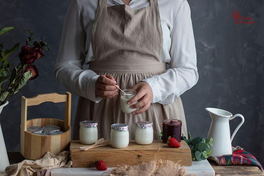 Presentación de yogures caseros - Sabor Granada