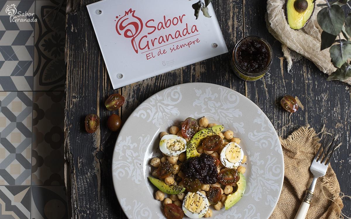 Ensalada de garbanzos con chutney de manzana - Sabor Granada