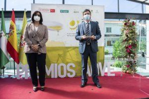 Entrega de uno de los Premios AOVE Sabor Granada 2020