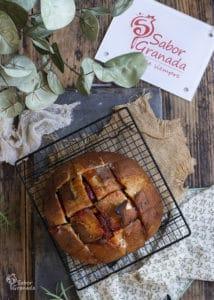 Pan al horno con crema de queso y sobrasada - Sabor Granada