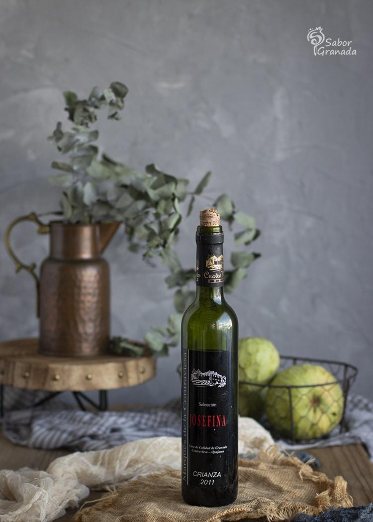 Vino semidulce Josefina, de Cuatro Vientos, para hacer el cóctel de chirimoya  - Sabor Granada