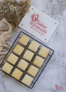 Galletas de mantequilla recién salidas del horno - Sabor Granada